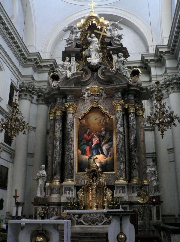 Ljubljana_Ursuline_Church_Altar
